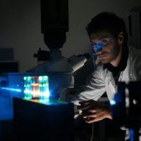 La luce può catturare i segnali emessi all'interno delle cellule