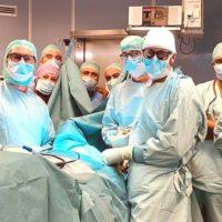 Al Rizzoli-Sicilia ricostruzione vertebrale con protesi in 3D per un paziente a rischio paralisi per una grave compressione cervicale