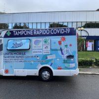 Le farmacie Boots di Roma offrono il primo servizio in Italia di test rapidi Covid-19 con una speciale unità mobile