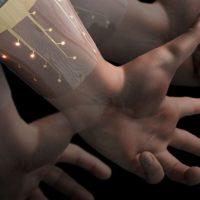 Un nuovo dispositivo indossabile capace di riconoscere i gesti della mano