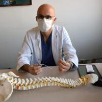 Primo intervento in Italia di impianto di pacemaker spinale contro il mal di schiena cronico