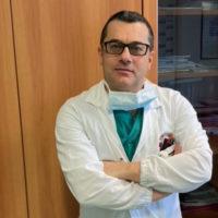 Chirurgia vascolare: a Chieti innovativo intervento per riparare l'aorta toracica passando per un foro all'inguine
