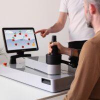 Uno studio di fattibilità del robot icone per la riabilitazione domiciliare degli arti superiori dei pazienti colpiti da ictus
