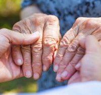 Monitorare i pazienti affetti da Parkinson attraverso la caffeina presente nella saliva