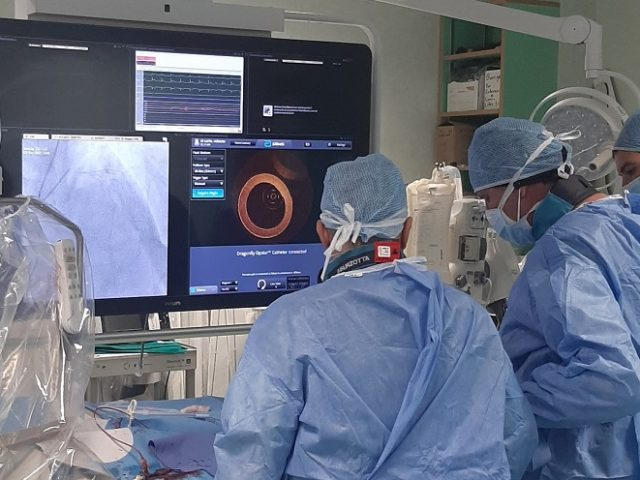 Nuovo catetere per 'vedere' le coronarie dall'interno utilizzato per la prima volta in Italia
